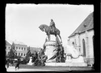 Grupul statuar Matia Corvin (fotografie din 1933)